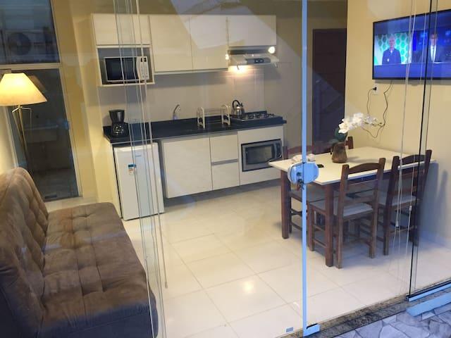 Apartamento Térreo A-1, c/piscina, 100m da praia