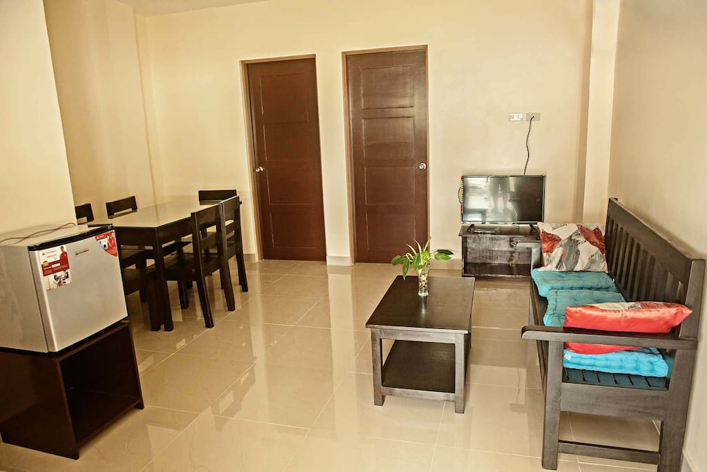 1 bedroom flat lounge