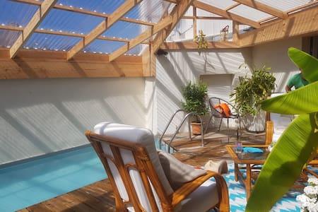 Villa avec piscine, bord de mer, vacances