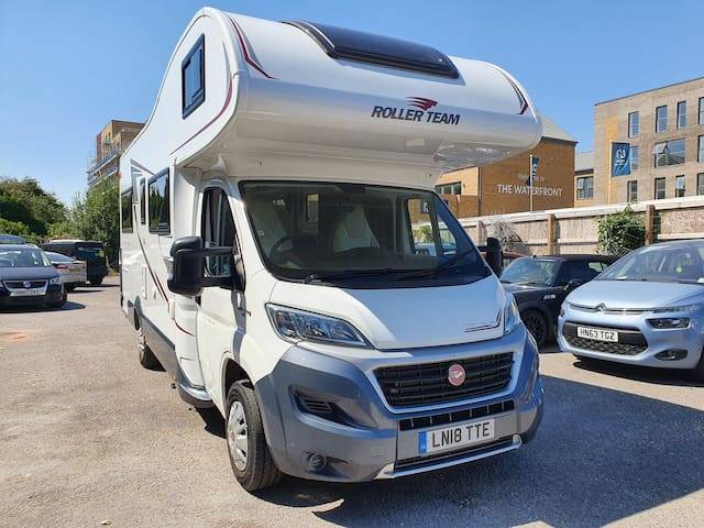 Luxurious 6 berth motorhome Fiat Ducato 2.3litre