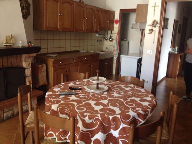 delizioso appartamento a Falconara - Falconara Marittima - Daire
