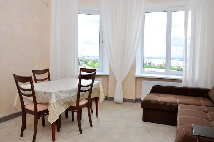 Квартира с прекрасным ночным видом пер. Хантадзе 3
