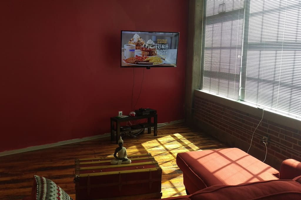 wall mounted big screen with cable, Netflix, Hulu, Amazon prime and Xbox one with games