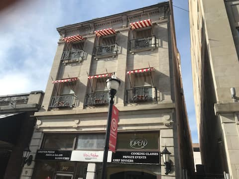 #201 Jefferson Hotel Apt.