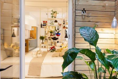 STONE house / Stay in Ortigia