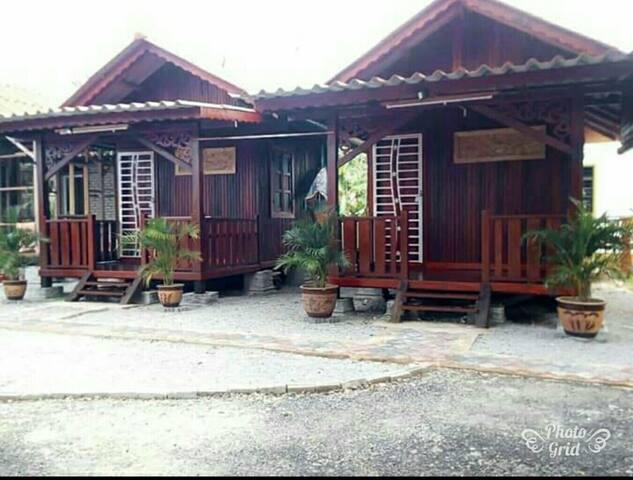 Challet Tembesu Wakaf Kayu Kota Bharu