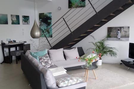 Helle und moderne Wohnung in Schwarzach am Main - Schwarzach am Main - Haus