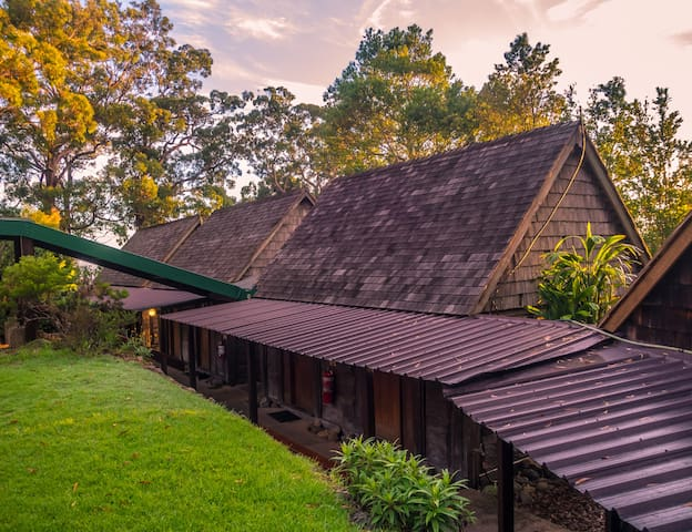 Hertiage Mountain Lodge Cabin