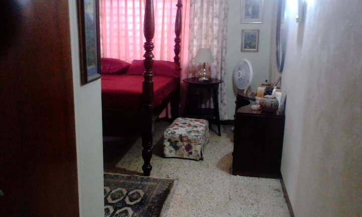 Azure Suites - Homestay Special (Gore Terrace)