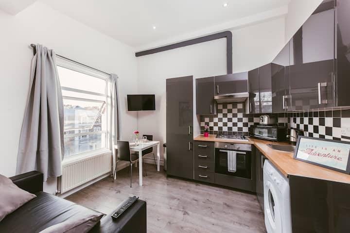 Charming 1 bed flat 2 min from Ladbroke Grove St