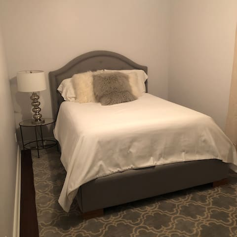 Kingsville Room For Rent