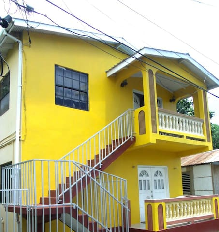 Room with a view of tourism centre - Gros Islet - House