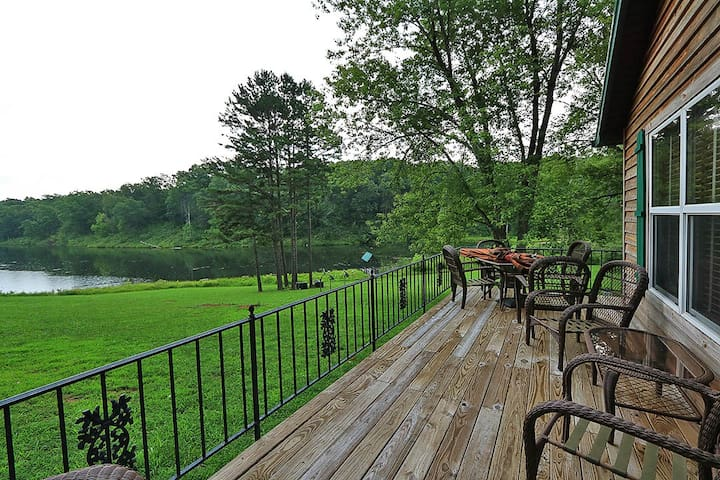 17 Acre Lake Retreat - Taylor Lodge - Perryville - Huis