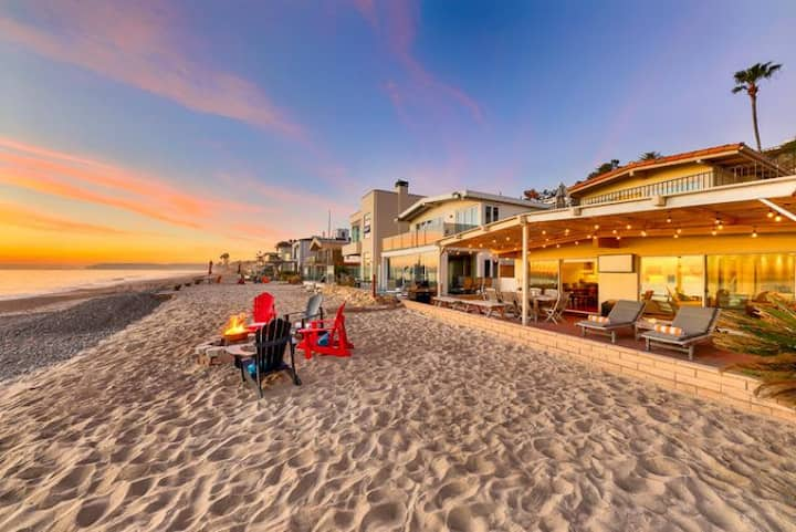 15% OFF MAR! Beachfront Home, Stellar Deck, Views + Perfect for Families