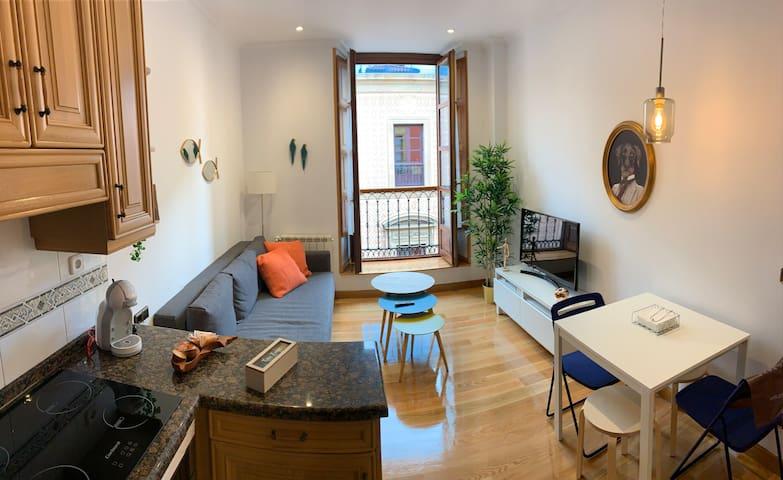 Moderno piso en la plaza mayor de GIJON