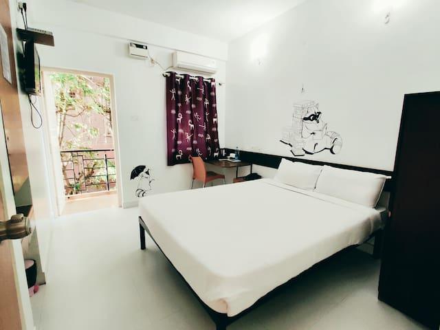 Raccoon Rooms_Room3