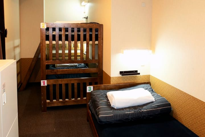 3min TO STA.! JAPANESE STYLE HOSTEL/3ppl/TP
