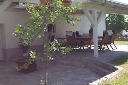 Liebevoll renoviertes Landhaus - Bernhardswald