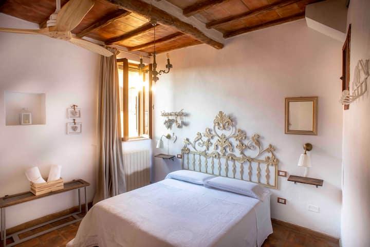 "Via Francigena: ""La Sosta a Casa Anita"", room."