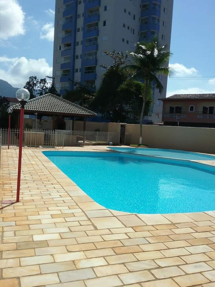 Apartamento com piscina, praticamente pé na areia!