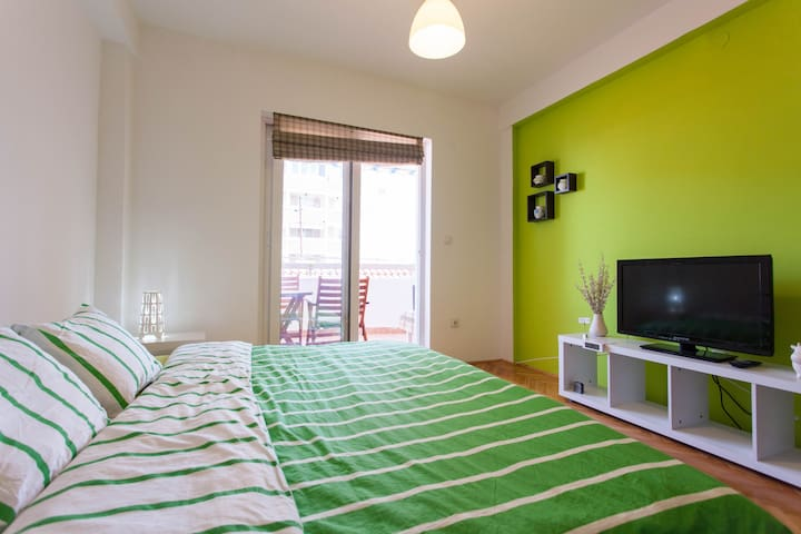 Green Studio - Central - Close to Waterfront