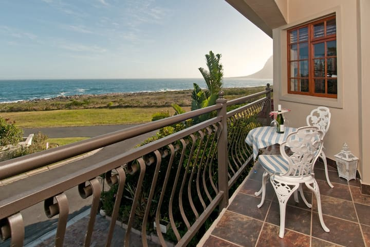 Private Luxury Seaside Living in Kleinmond