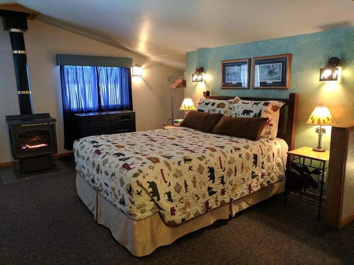 Studio for 1 or 2, Low Spring Rates!