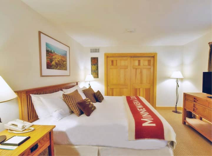 Minnewaska Lodge, SUITE