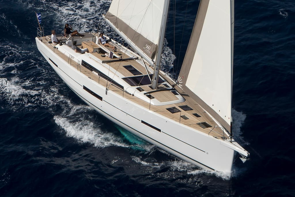 This excursion involves 6 full day and 5 overnight stays on this beautiful luxury sailing boat