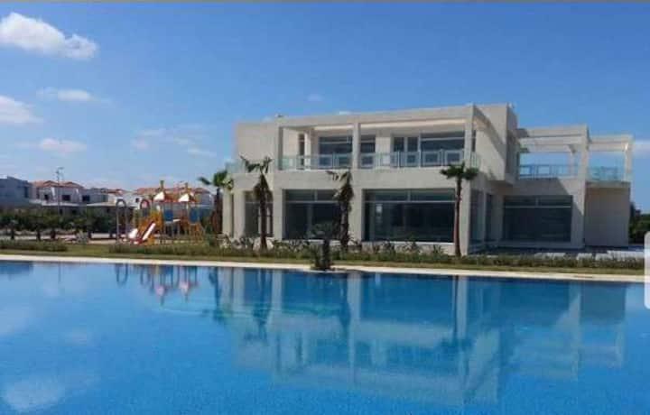 Superbe appartement 100m2, accès privé à la plage