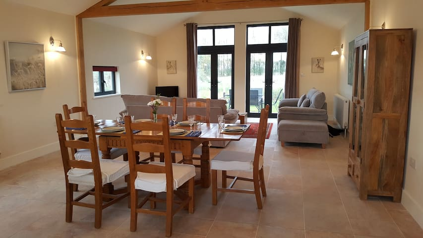 Leveret Lodge : Self Contained Rural Holiday Home