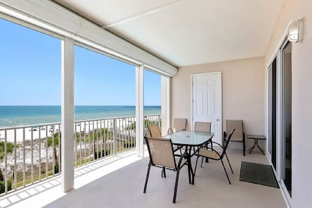 Stunning Beach Front Condo with Amazing Views