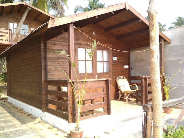 Sea Facing Cottage on Agonda Beach 3