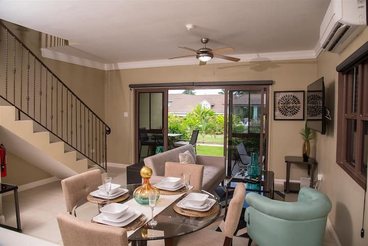 Two Bedroom Two Level Villa with Beach Access near Old Fort Bay, Ocho Rios