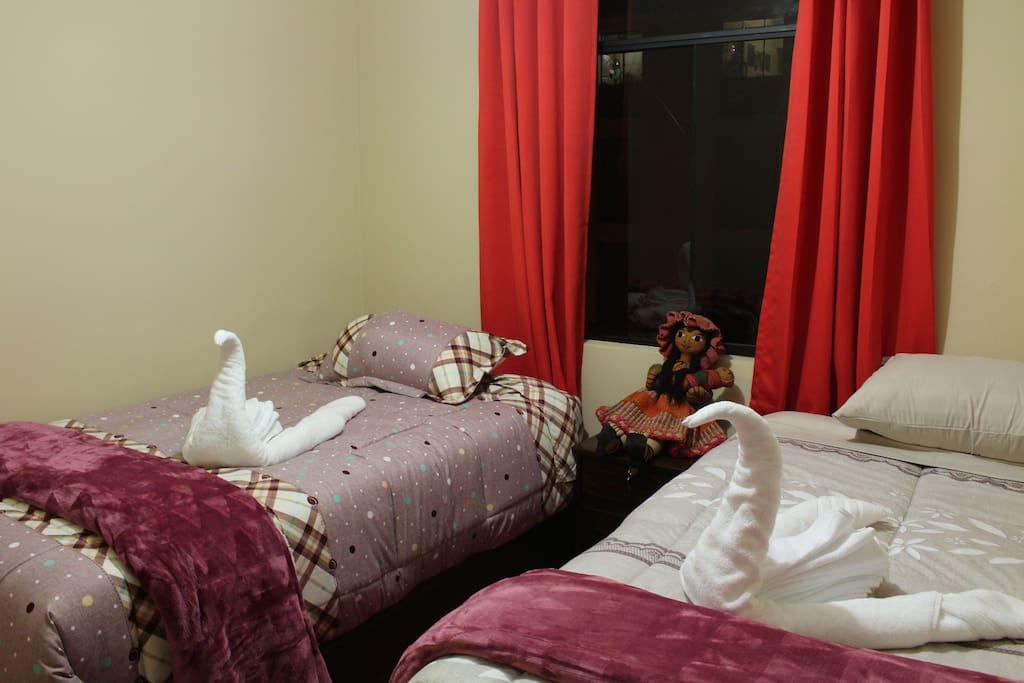 Habitación doble con camas individuales.