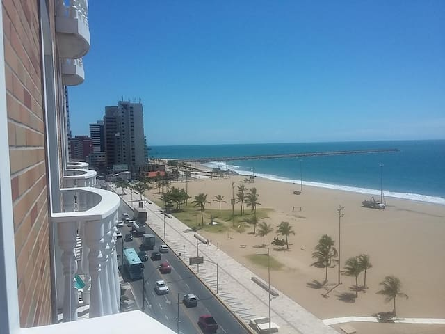 Flat com vista 100% MAR na praia de Iracema 203