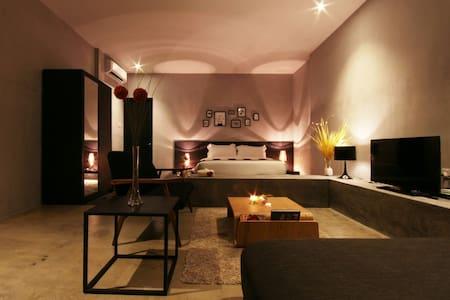 Villa Lot1638 Luxury Suite Room - Port Dickson - วิลล่า