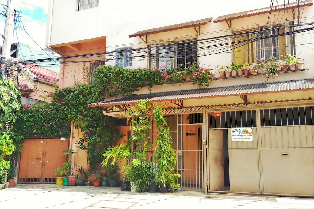Fully furnished private room with own entrance flats for for Terrace 45 quezon city