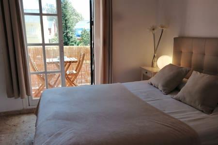 Málaga-Beach~Golf Relax and Family apartament.