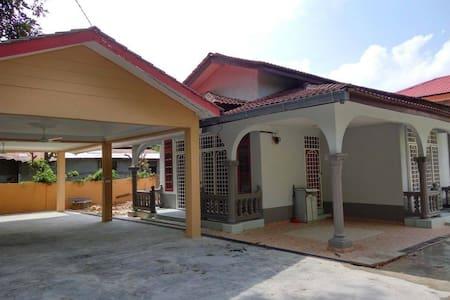 Villa Idaman @ Lavish Bungalow - Bungalow