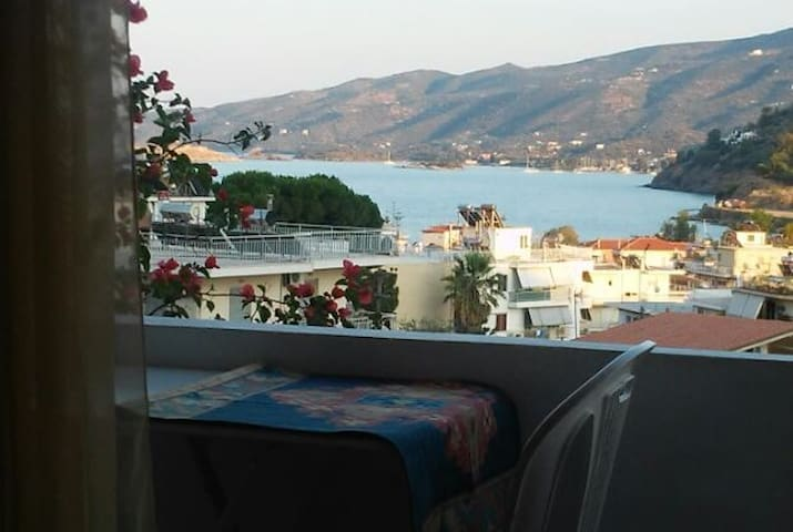 Apartment between the Forest and the Sea - Poros - Apartment