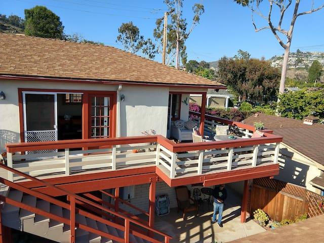 The Nest - Laguna Beach Cottage of Light w/  Deck