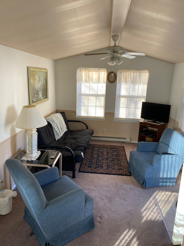 Clean, quiet, and comfortable cottage