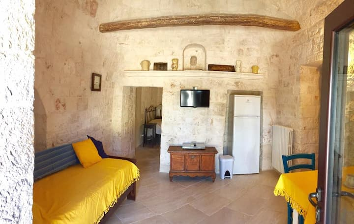 Villa Piccinni Unit B - Trulli home sleeps 4
