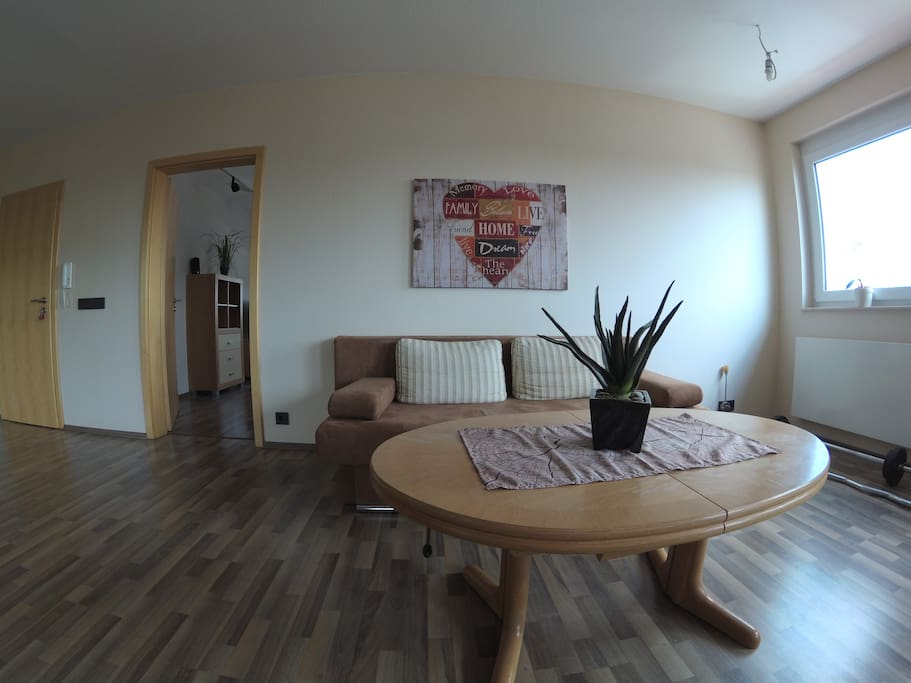 entspannen in moderner gro er wohnung wohnungen zur miete in homberg ohm hessen deutschland. Black Bedroom Furniture Sets. Home Design Ideas
