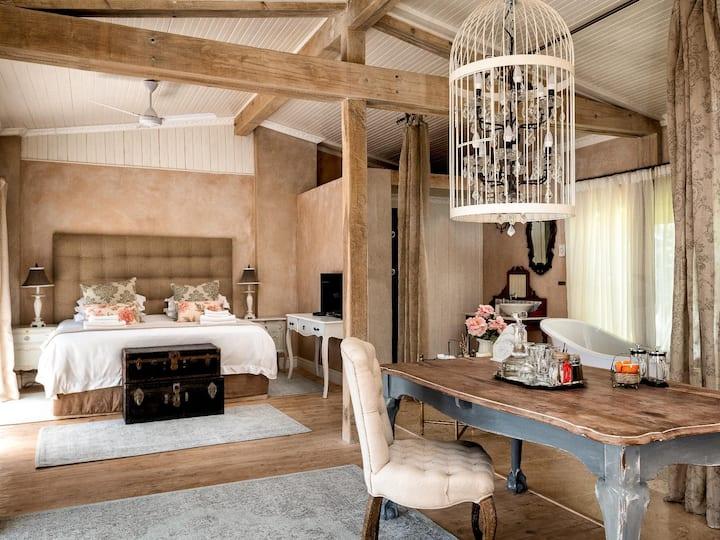 Petite Provence B&B Honeymoon Suite