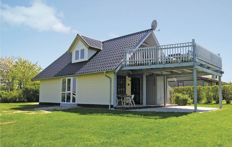 Holiday cottage with 3 bedrooms on 94m² in Bogense
