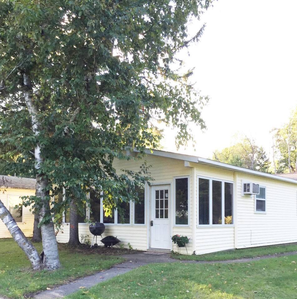2 bedroom Cottage on the Pond