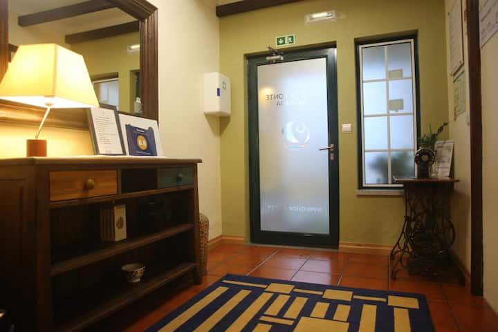 Quarto duplo privativo em  Casa da Fonte Sagrada