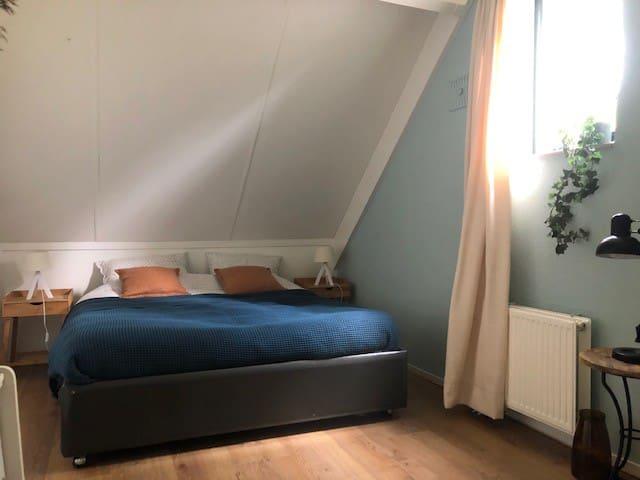 Slaapkamer 2,  2 persoonsbed